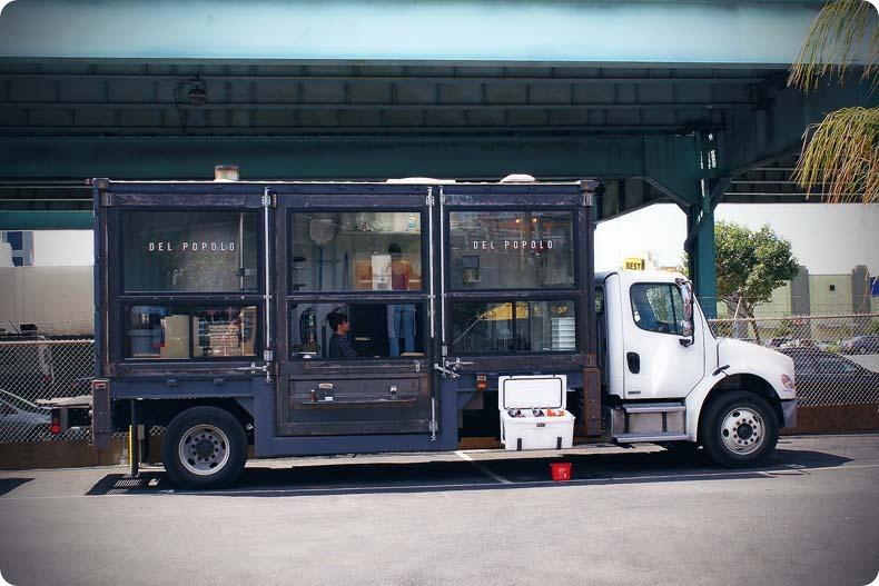 Camion a pizza aménagement