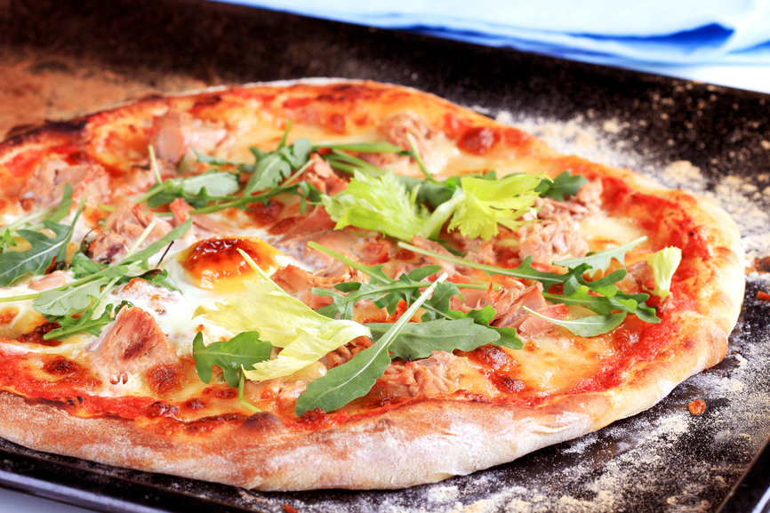 pizza au thon recettes de pizza. Black Bedroom Furniture Sets. Home Design Ideas